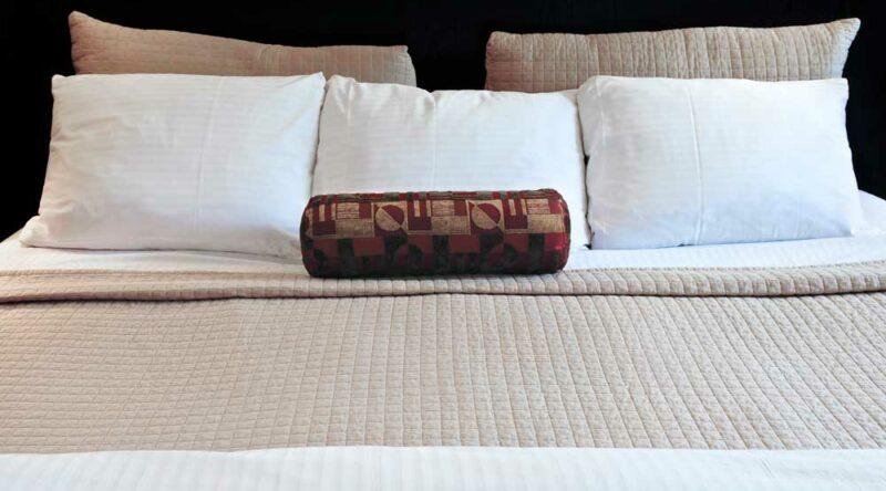 Tamanho de cama: veja a diferença entre casal, queen e king