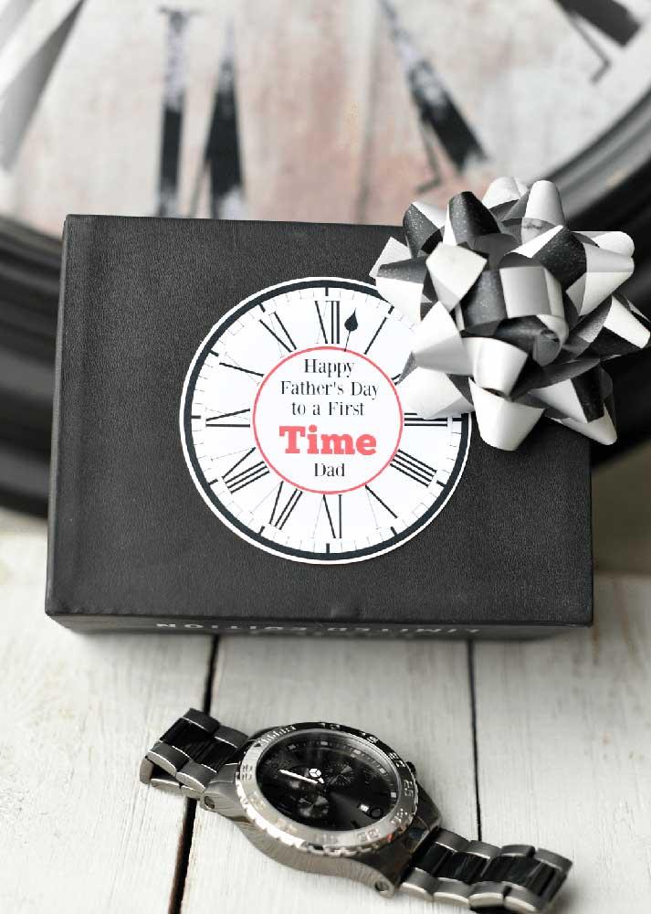 Um relógio novo: presente de dia dos pais que nunca perde espaço
