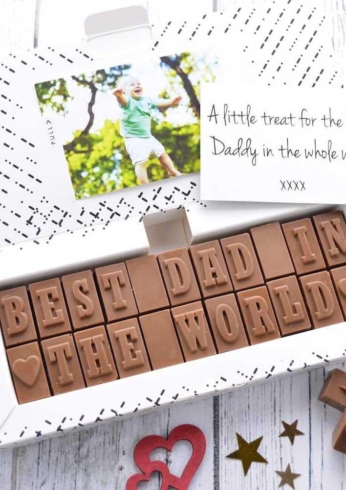 Quem resiste a um chocolate? Ainda mais esse personalizado para o seu pai