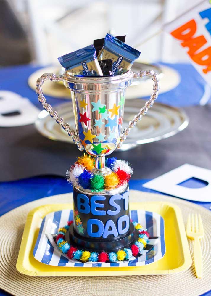 E junto com a festa vem também o troféu para o melhor pai do mundo