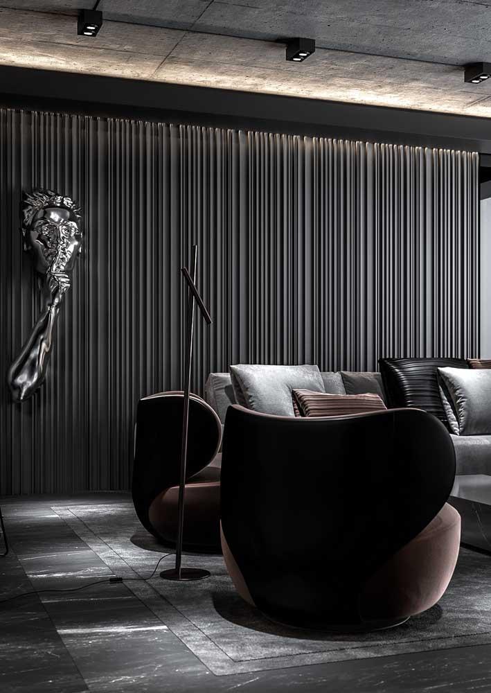 Sala preta sofisticada valorizada pelo uso das texturas