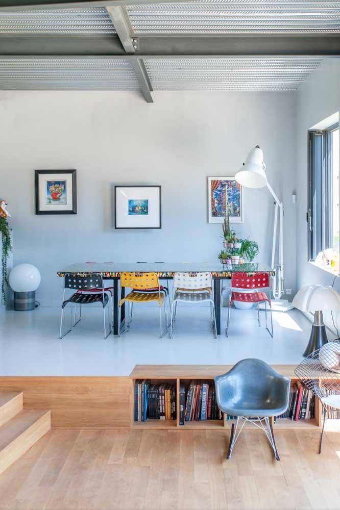 A casa moderna soube combinar muito bem a funcionalidade da telha sanduiche com o design que ela oferece