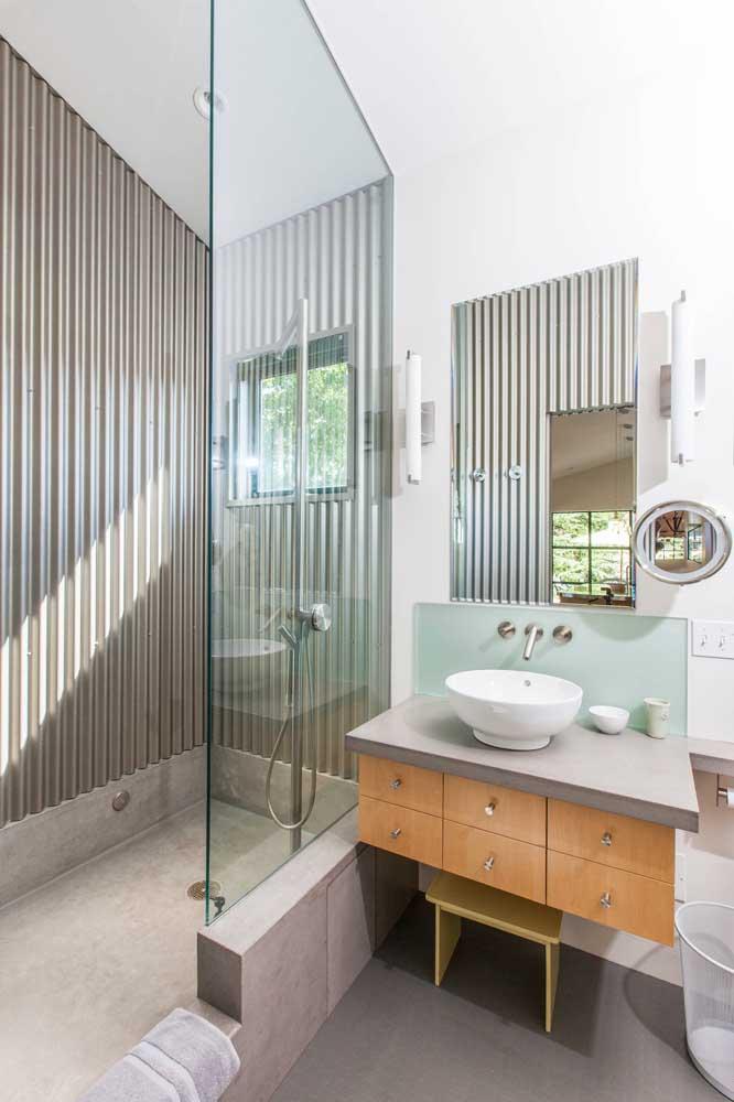 O banheiro moderno pode ficar ainda mais arrojado e confortável com a telha sanduíche
