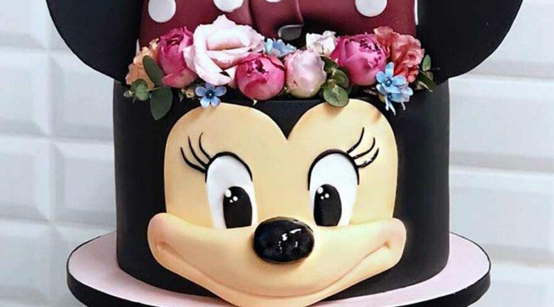Bolo da Minnie: modelos, fotos de decoração e tutoriais para você seguir