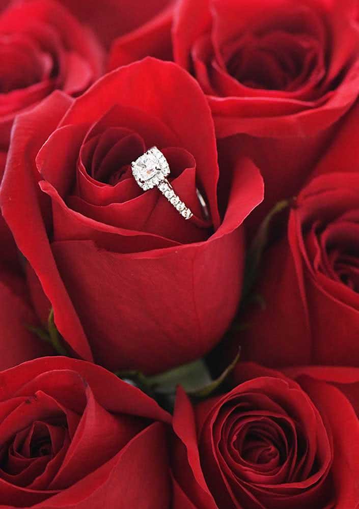 As rosas entregam o pedido de um modo super especial