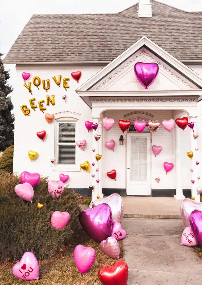 Que tal começar a noite romântica pela fachada?