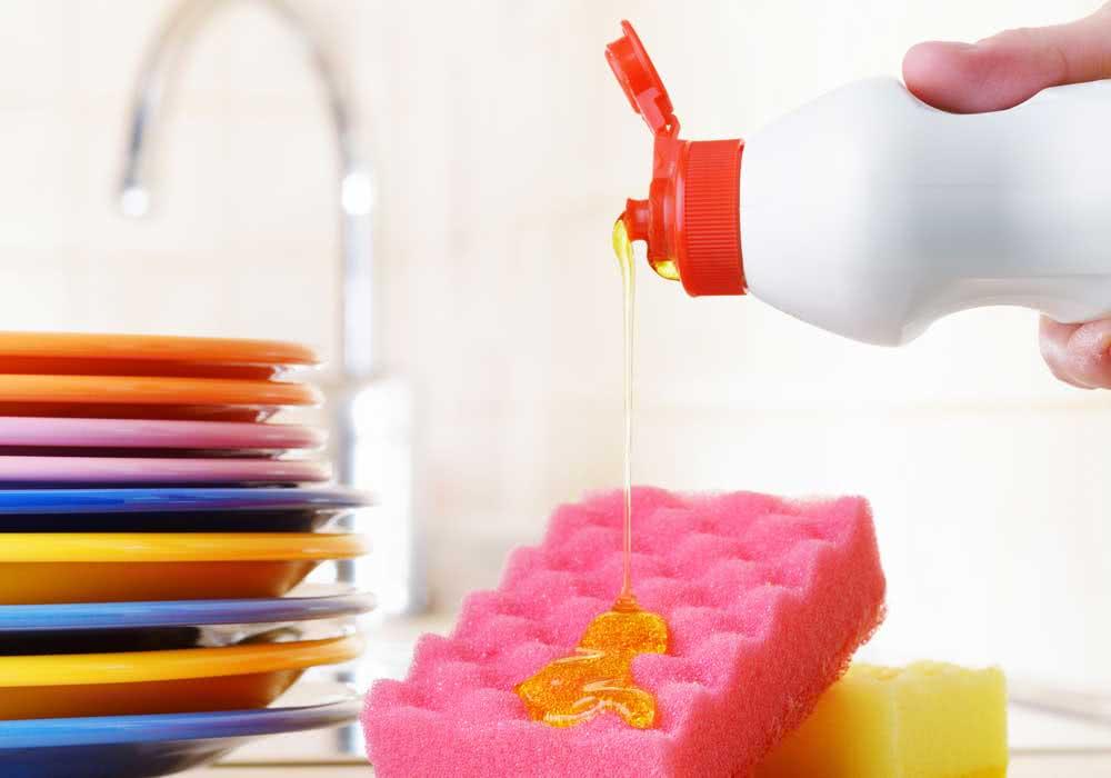 Qual limpa melhor: sabão ou detergente?