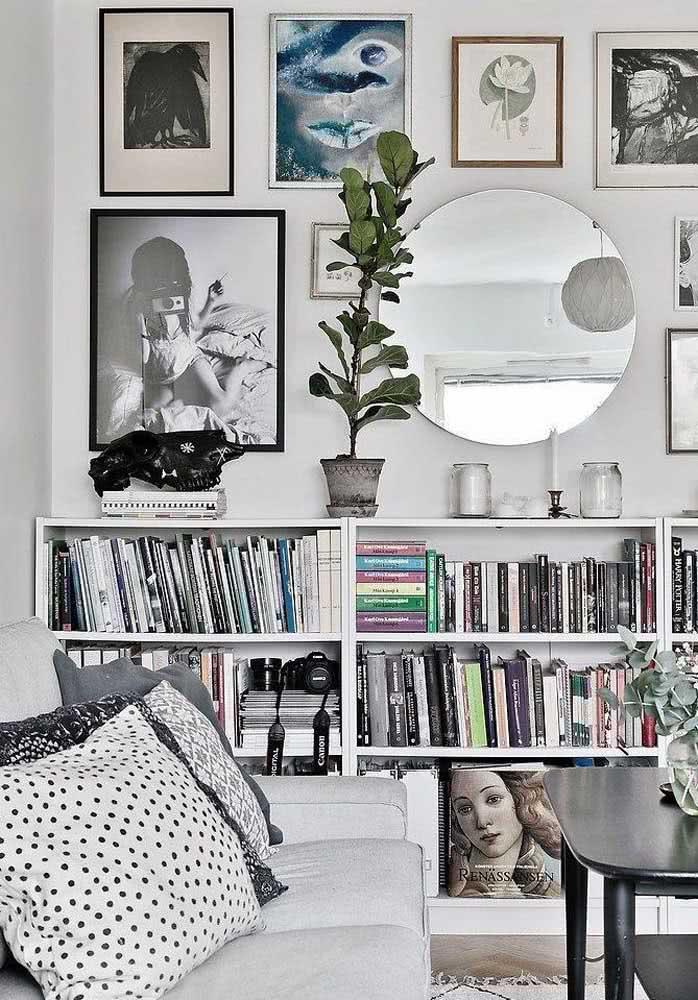 Livros, CDs e DVDs: tudo na estante!