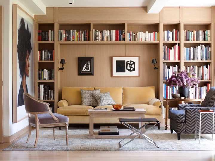 Uma estante para o seu sofá