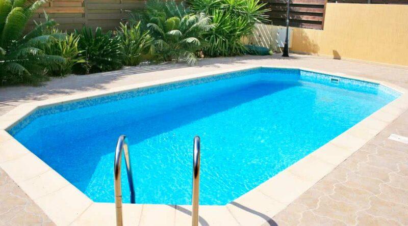 Quanto custa uma piscina? materiais, vantagens, desvantagens e preço