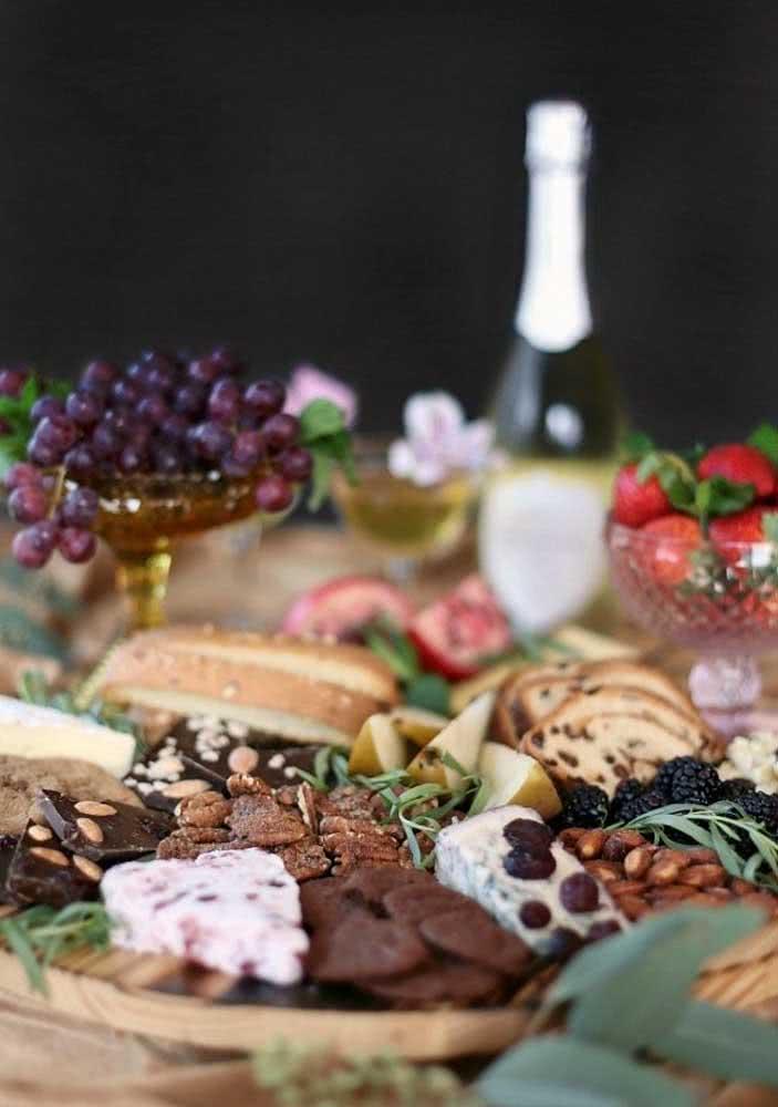 Chocolates, vinho, queijos....