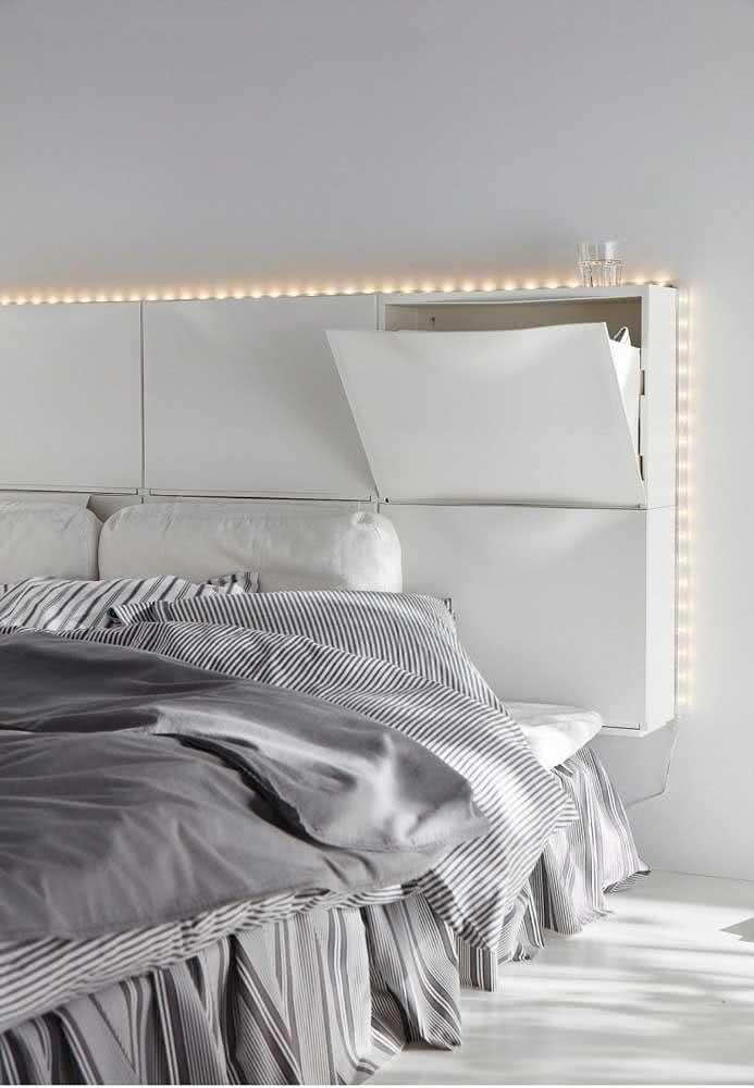 E o que acha de estender o guarda-roupa para a cabeceira da cama?