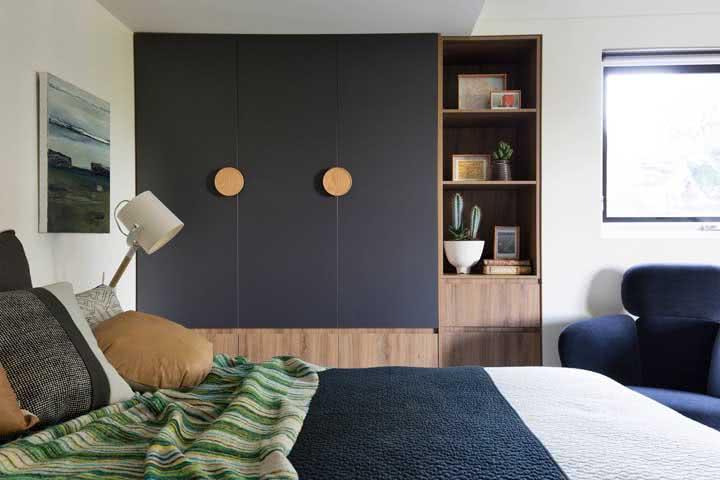 Nichos abertos para completar a decoração do quarto