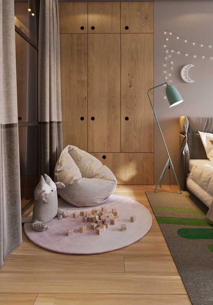 Conforto garantido com o piso de madeira maciça