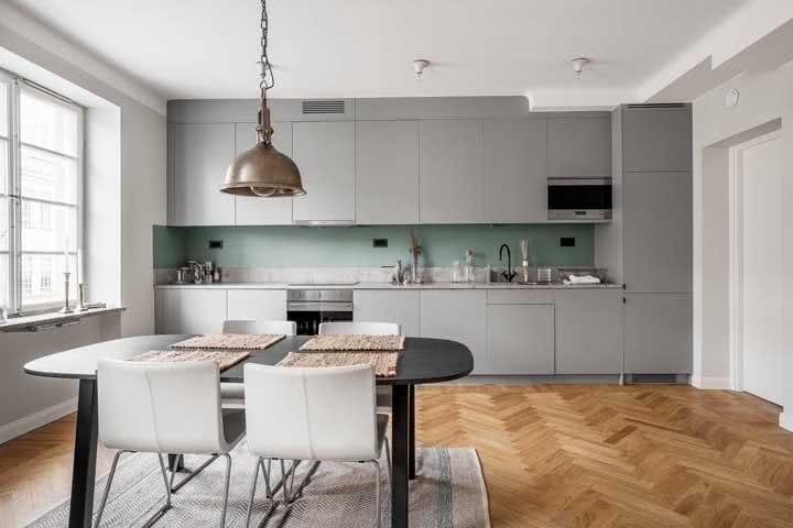 A beleza da madeira para a cozinha cinza