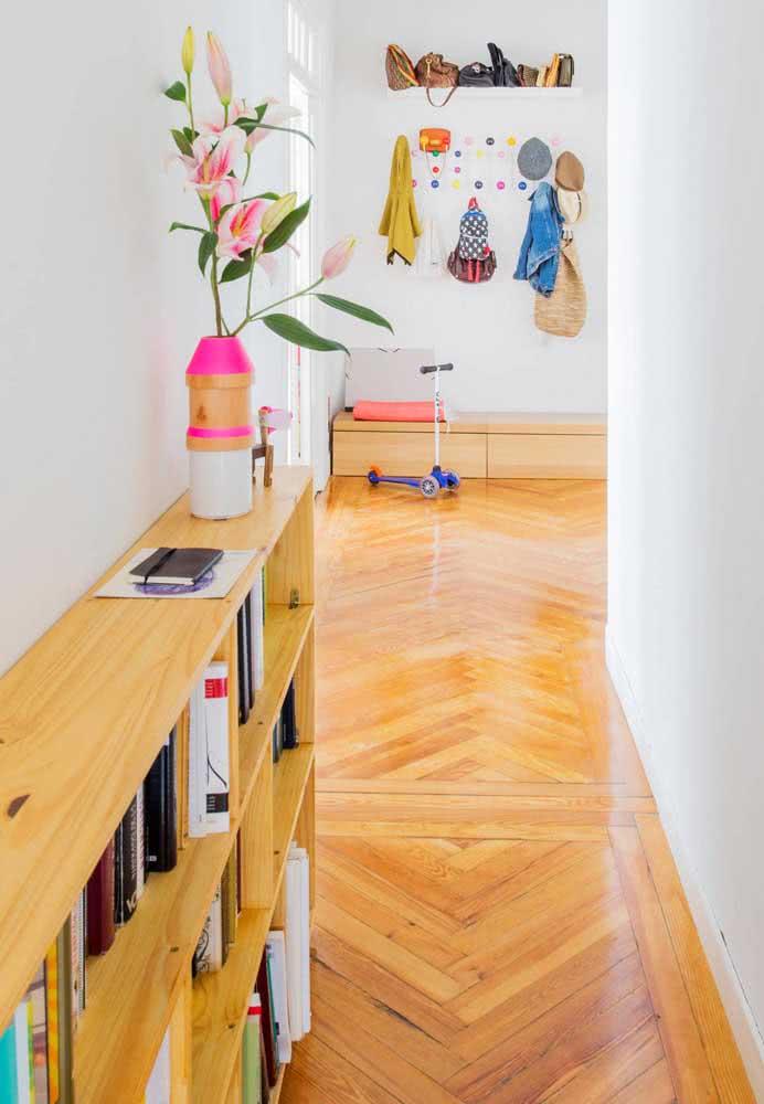 Taco de madeira para o corredor do apartamento