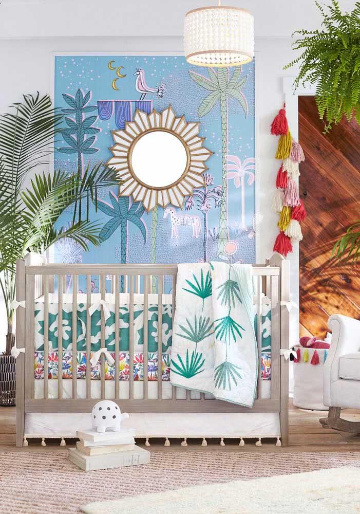 Lustre de continhas para o quarto de bebê colorido e tropical