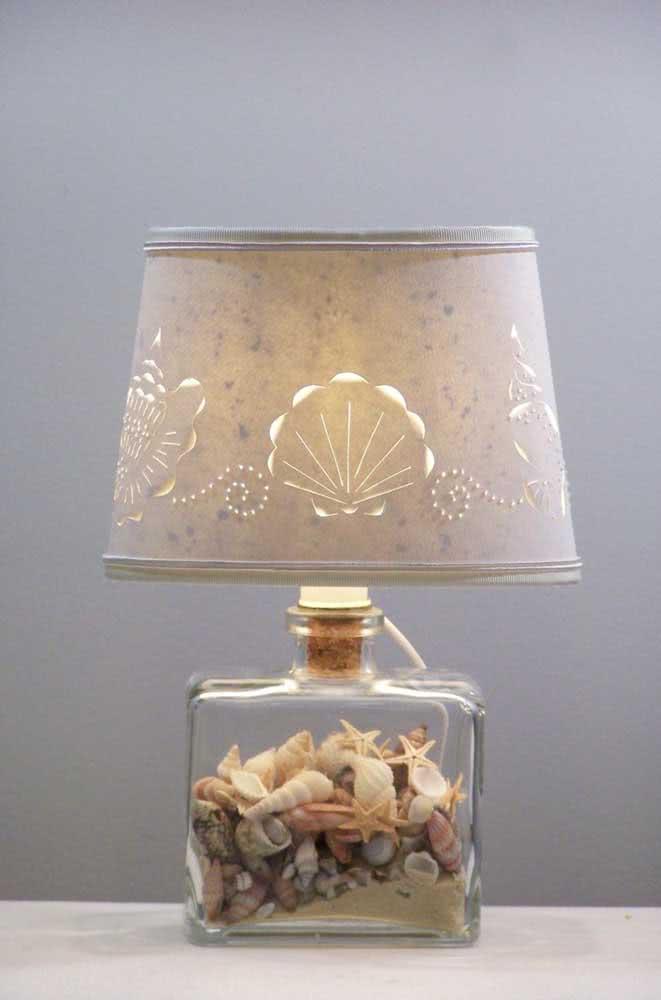 Ideia de artesanato com conchas do mar: luminária!