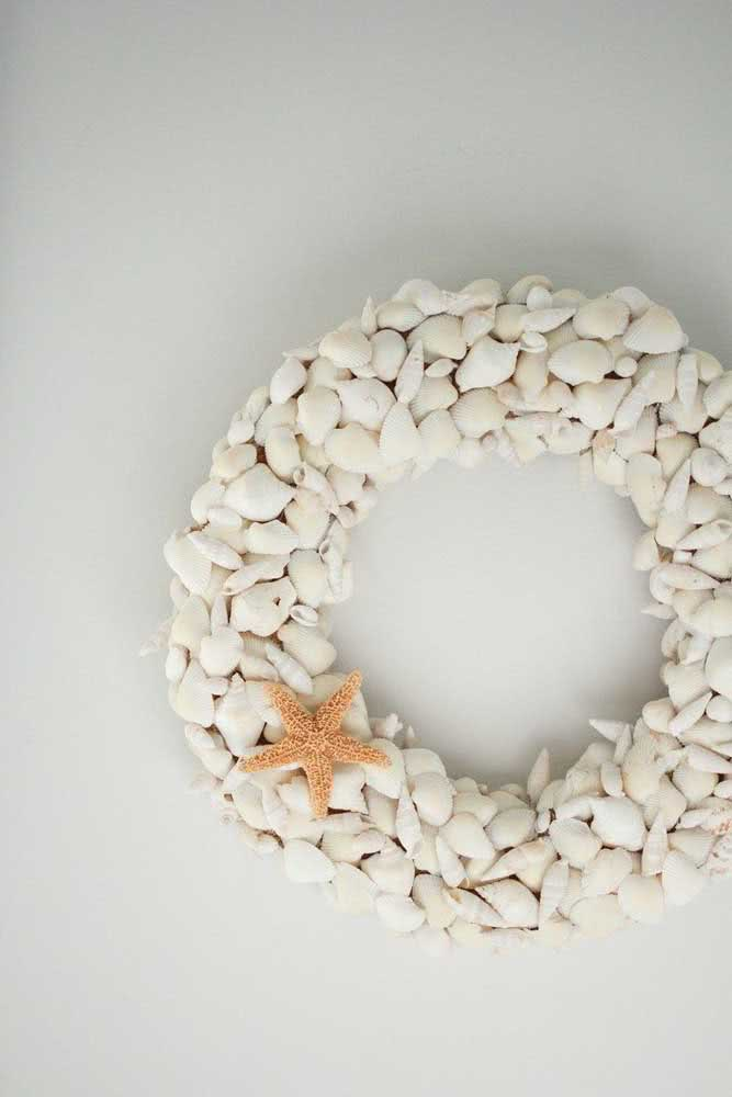 Guirlanda de conchas do mar para decorar a entrada da casa