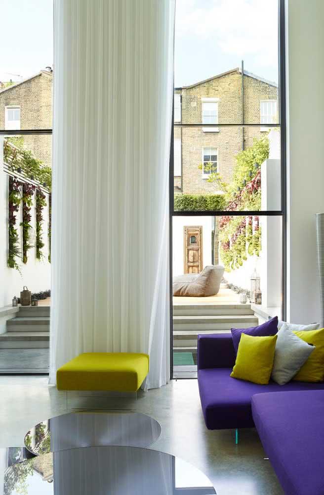 Quanto mais vidro, mais iluminado e moderno fica o ambiente