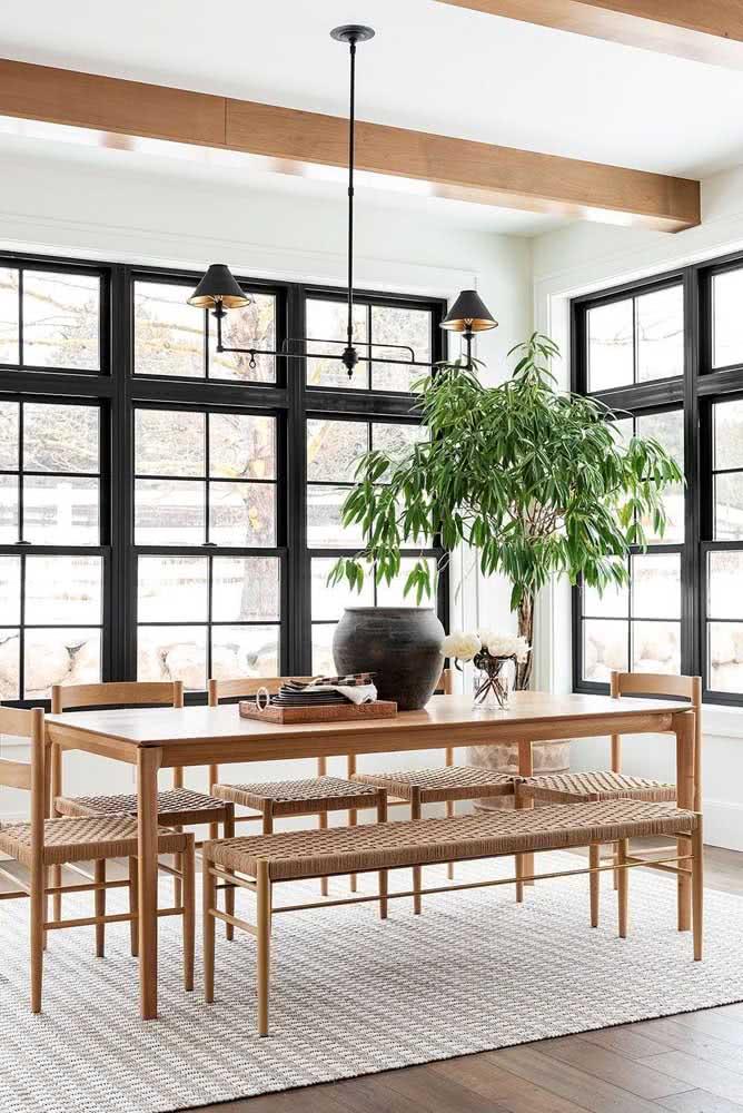 Janela guilhotina de alumínio preto para uma sala de jantar moderna