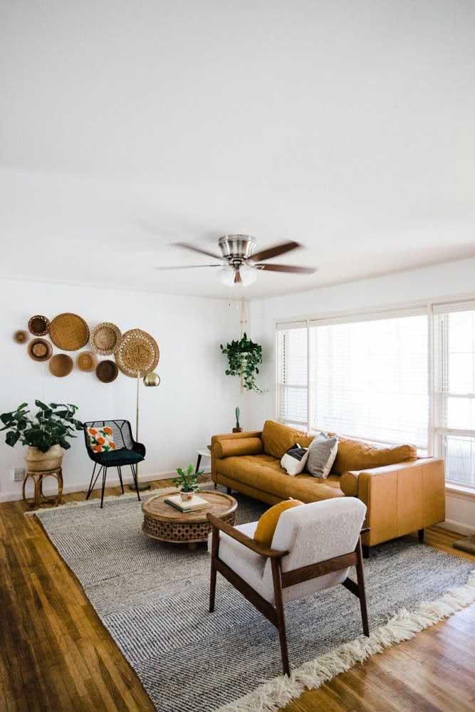 Sala de estar com janela guilhotina branca: muita luz!
