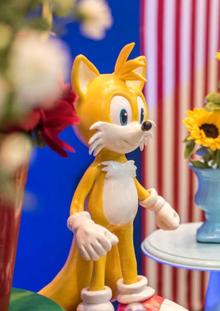 O melhor amigo do Sonic, a raposa Miles Power, também precisa ser convidado para a festa