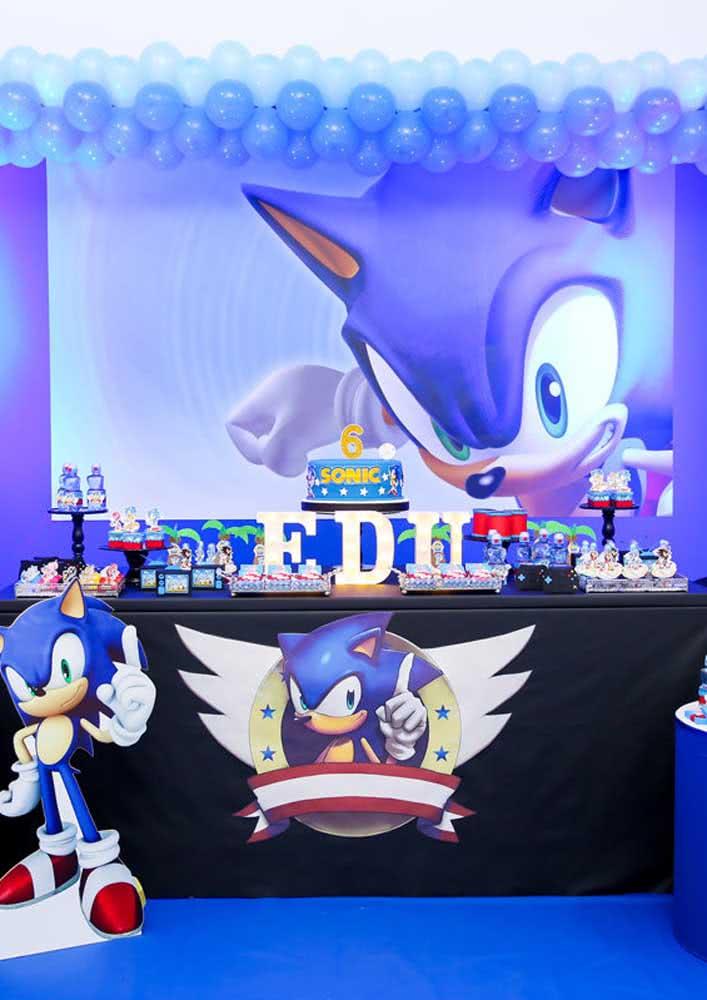 Festa Sonic moderna com destaque para a cor azul