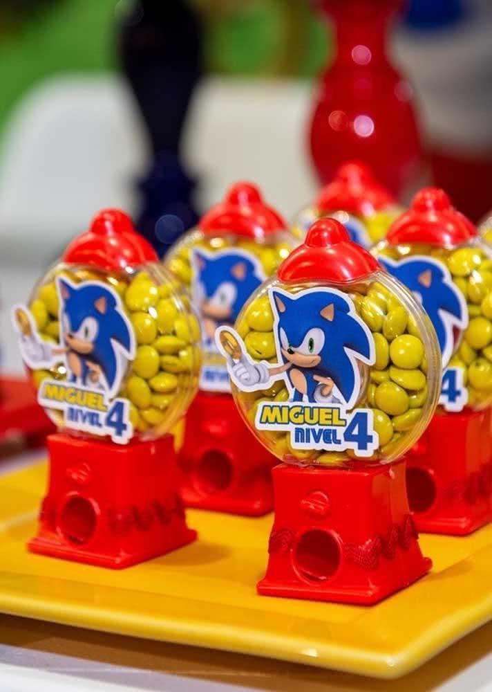 Lembrancinha da festa Sonic: confetes amarelos de chocolate