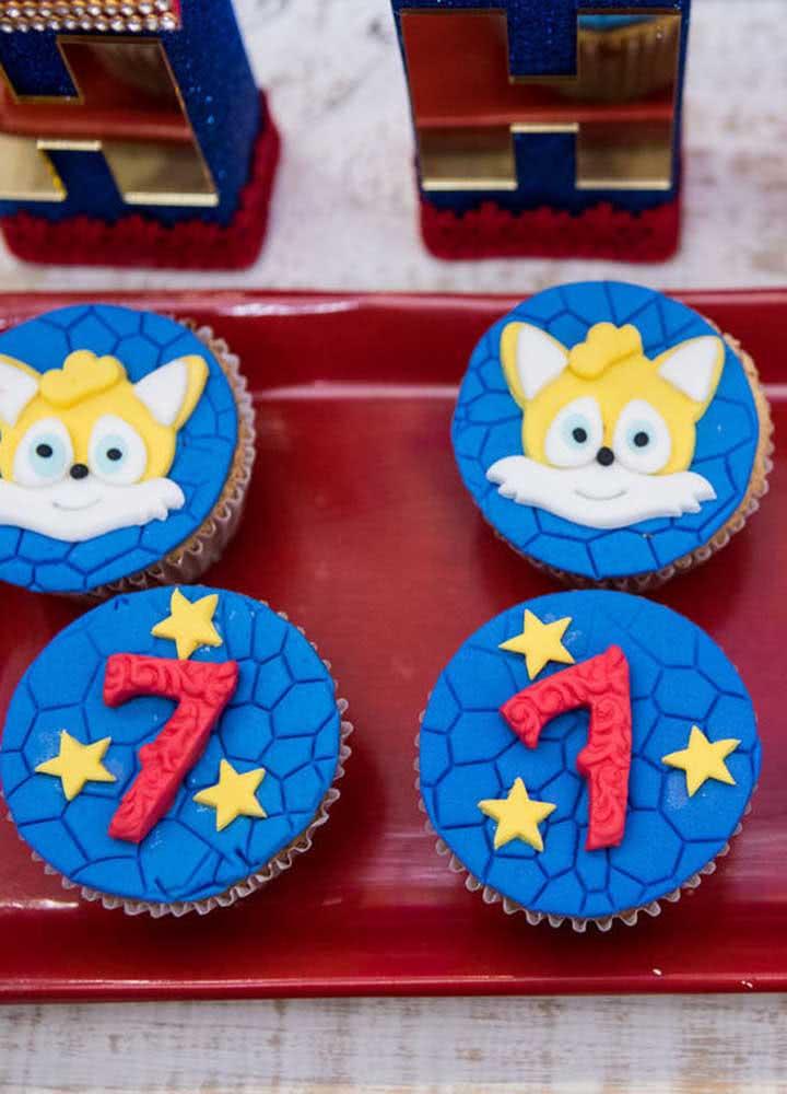 Cupcakes fofos decorados com a turma do Sonic