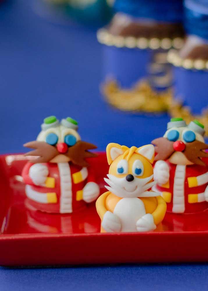 Aqui, os personagens do jogo Sonic viram tema para os lanchinhos da festa