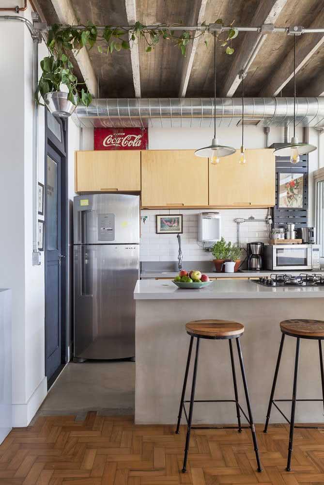 Bancada de porcelanato para cozinha. Espaço ideal para refeições e preparo de alimentos