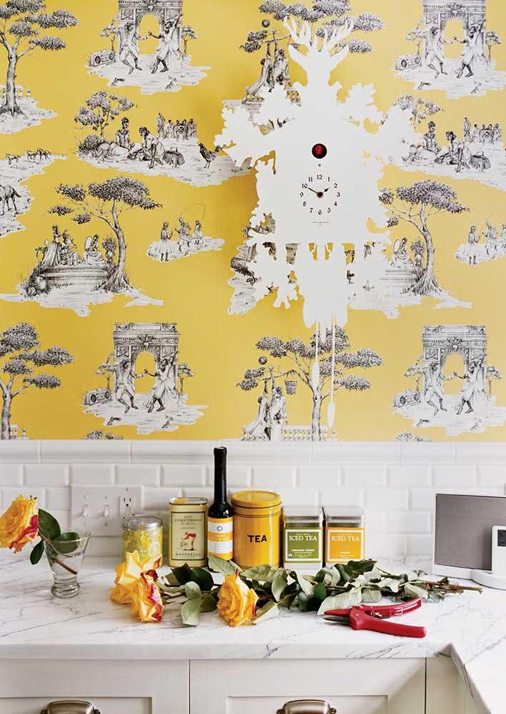 Um papel de parede com fundo amarelo é demais para você?