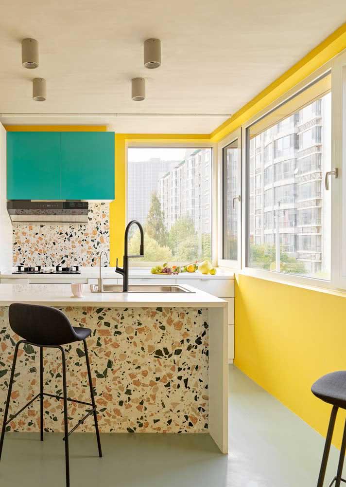 E o que acha de usar granilite amarelo na cozinha?
