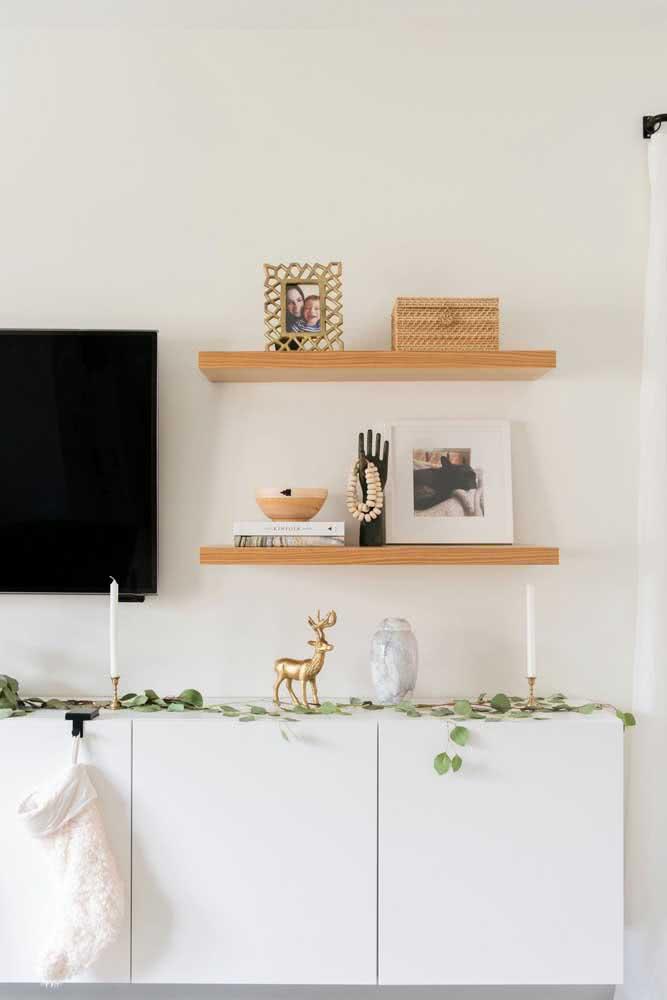 Poucos enfeites para uma decoração natalina simples