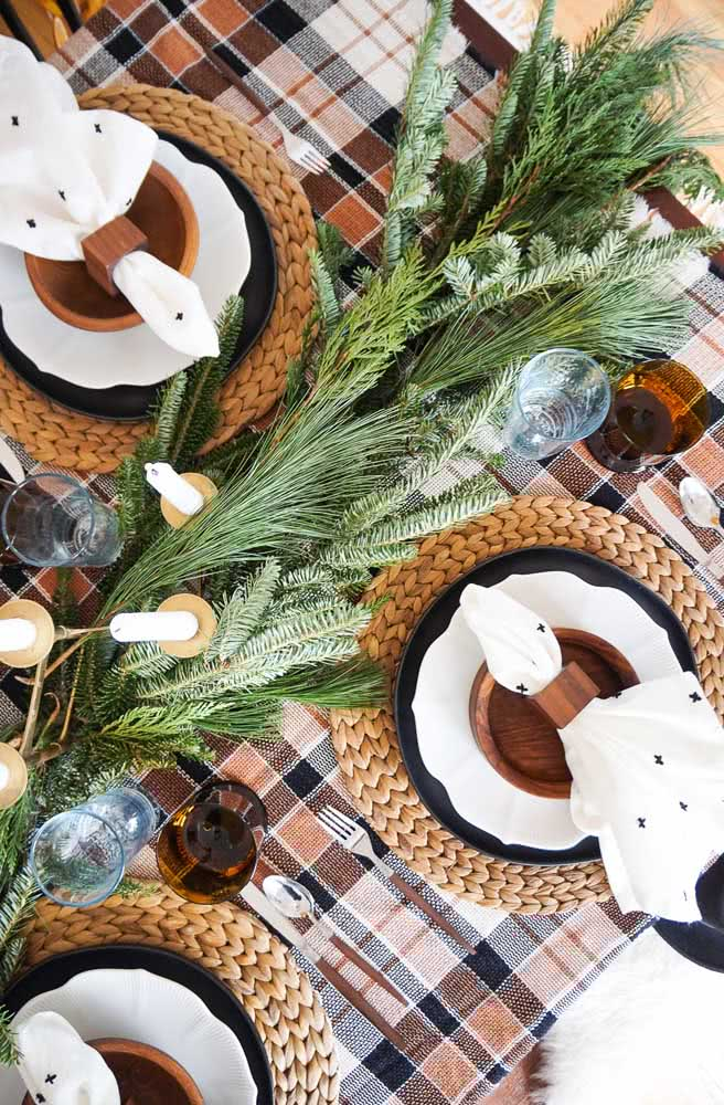 Que tal uma toalha xadrez para a mesa de natal?