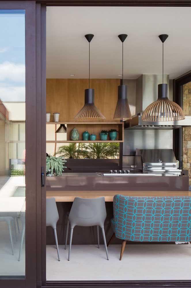 Área gourmet pequena decorada com móveis planejados