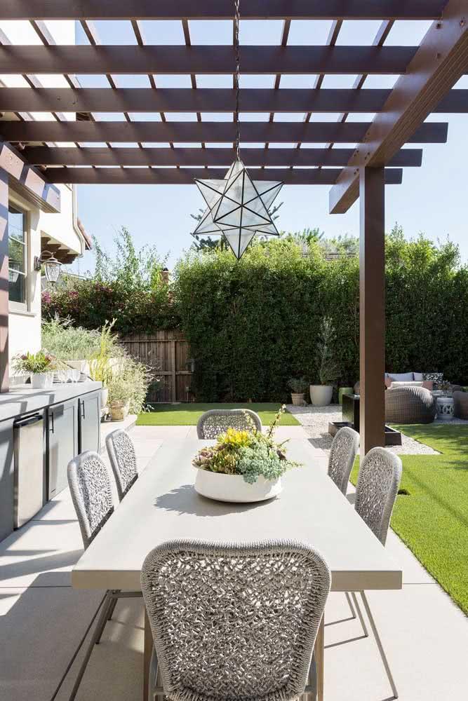 Com um pouco mais de espaço no quintal é possível ter uma área gourmet completa