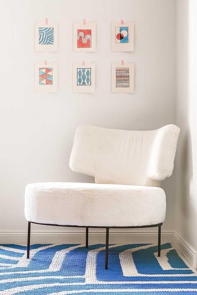 Outra linda opção é o tapete de crochê azul
