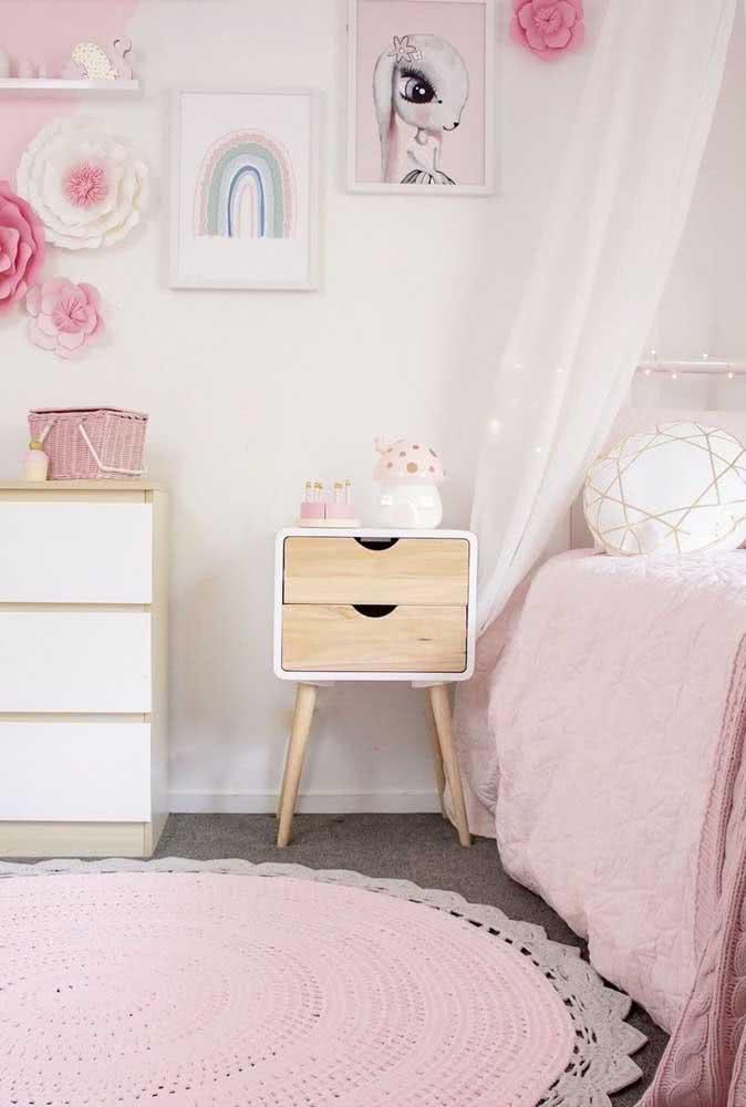Tapete de crochê para quarto de menina com duo de rosa e cinza
