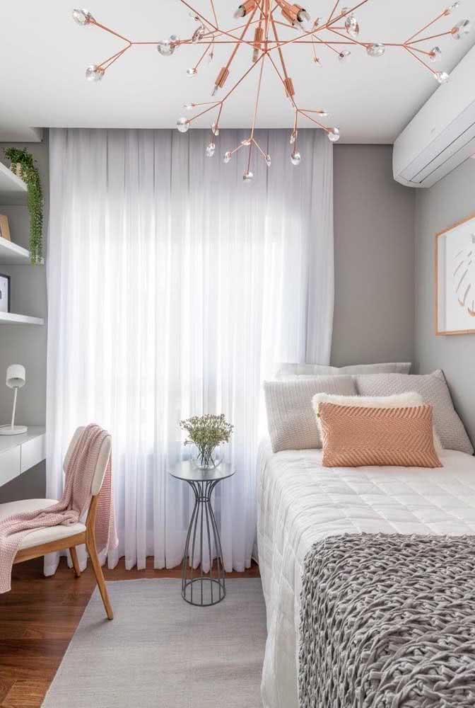 Tapete de crochê simples para o quarto de solteiro feminino