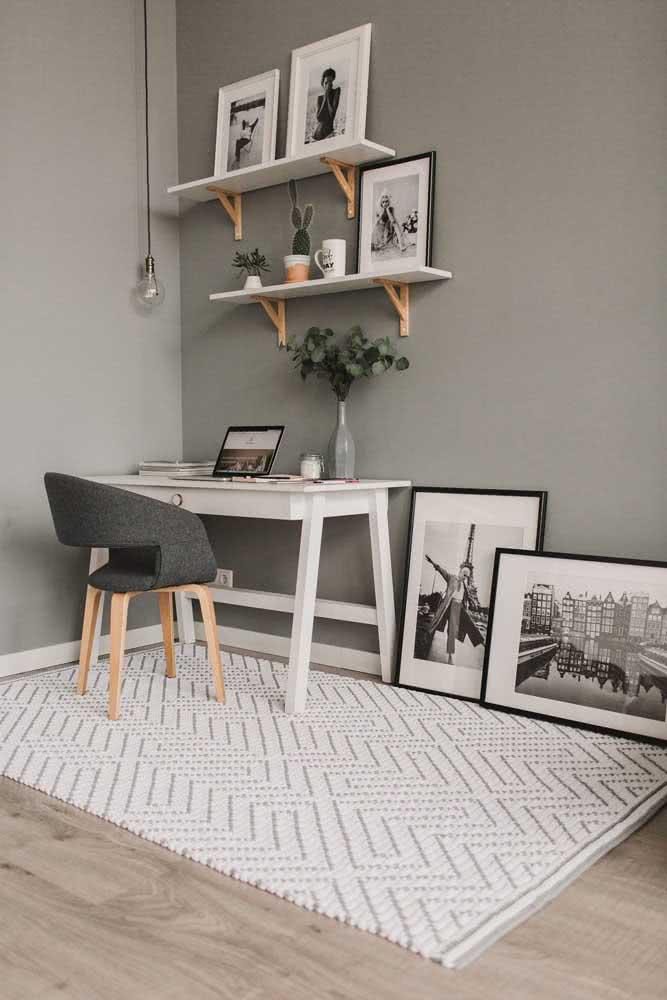 O estilo escandinavo é a referência para esse tapete de crochê