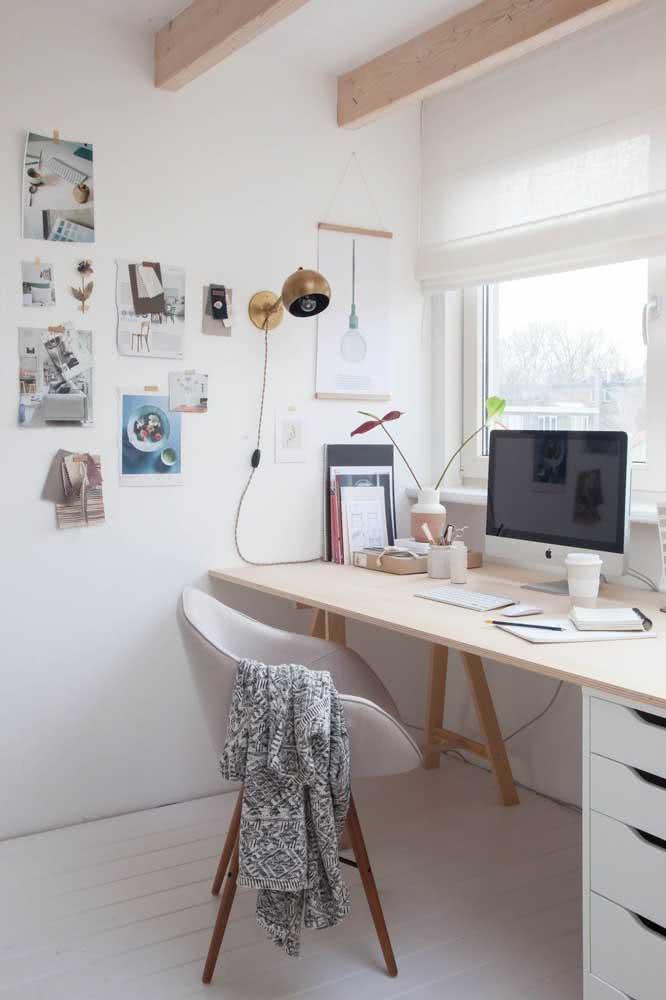 A cadeira também precisa combinar com o estilo do home office