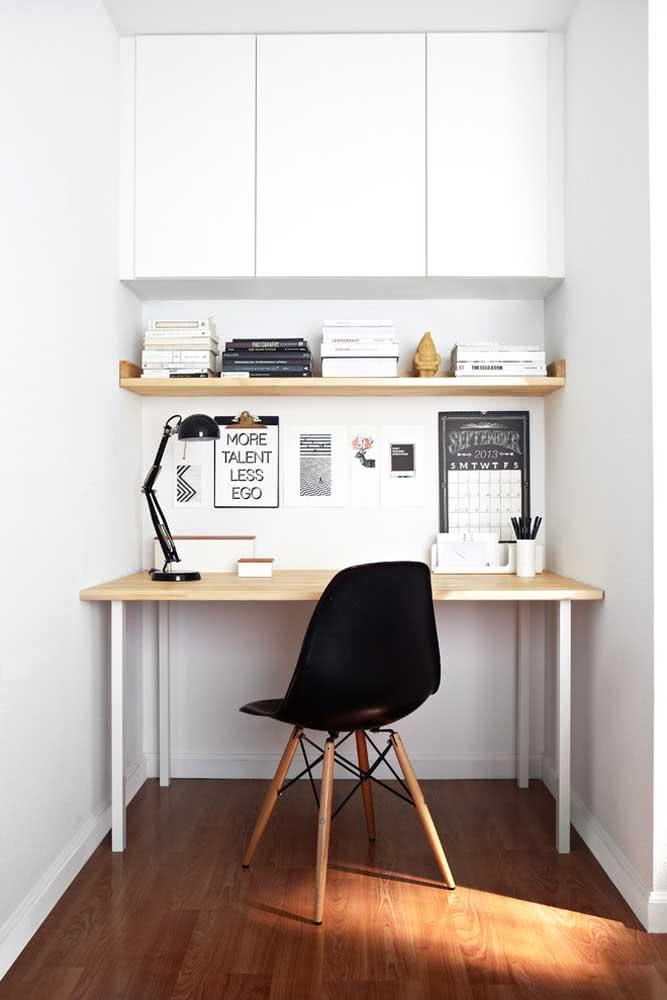 Que tal uma Eames no home office?
