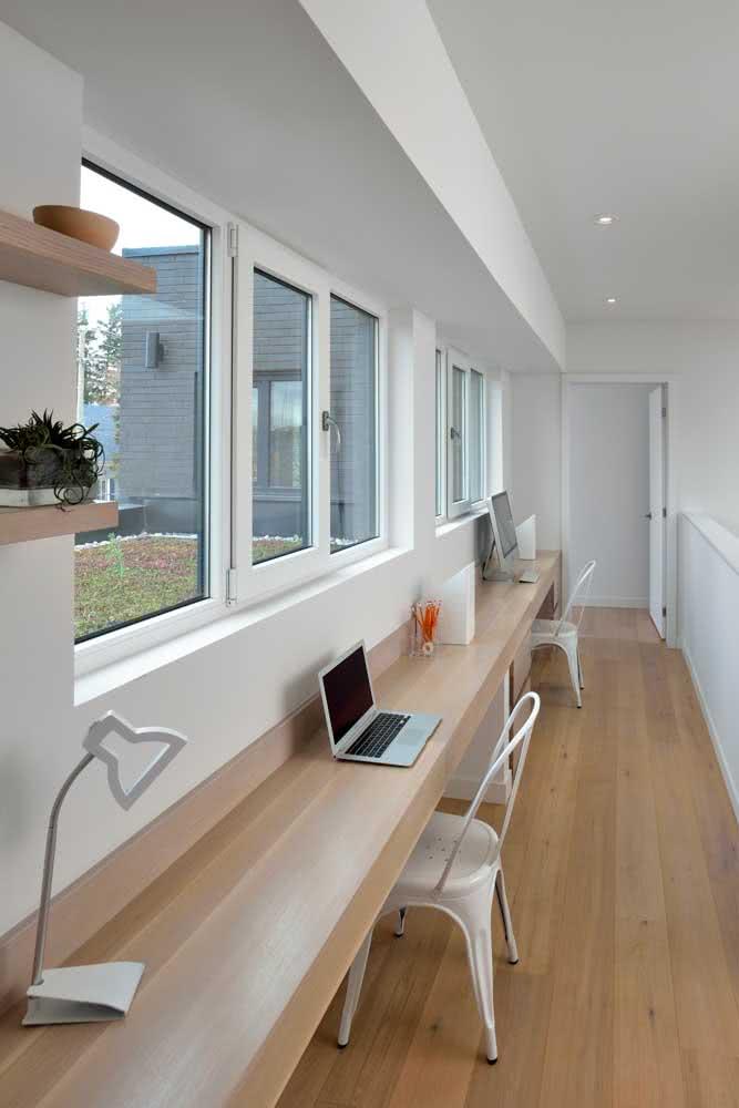 Cadeira para home office branca combinando com a decoração
