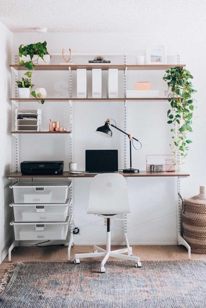Cadeira para home office clássica, branca e elegante