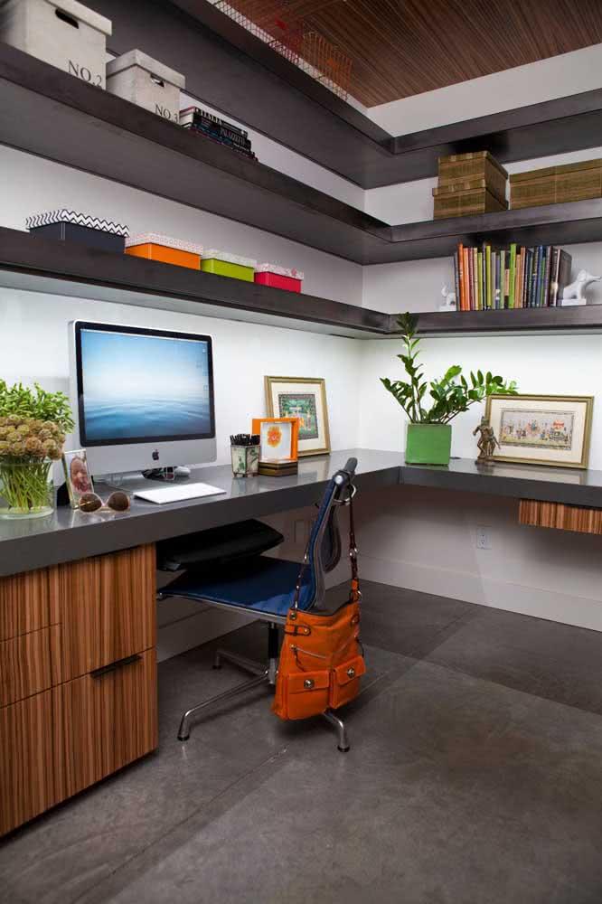 Cadeira para home office sem rodinhas: cuidado com o piso