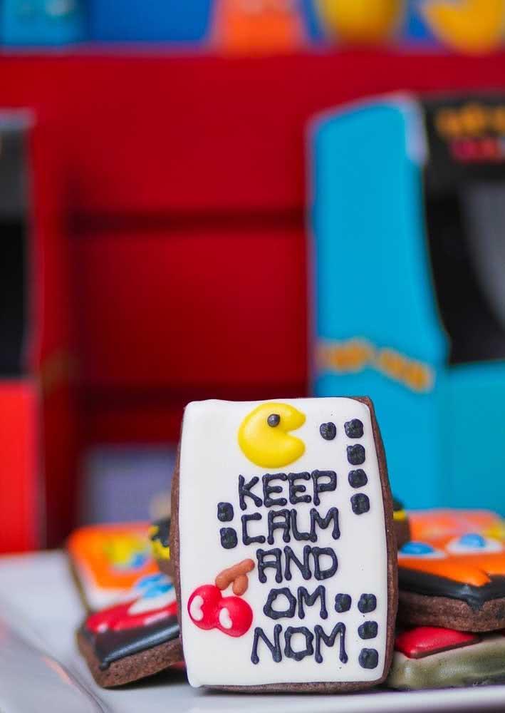 Já aqui os biscoitos vem decorados com o tema da festa infantil Pacman