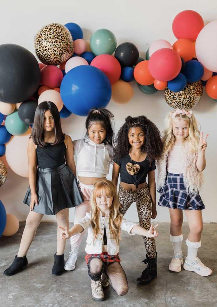 Tema de festa infantil Spice Girls: cada menina assume uma integrante