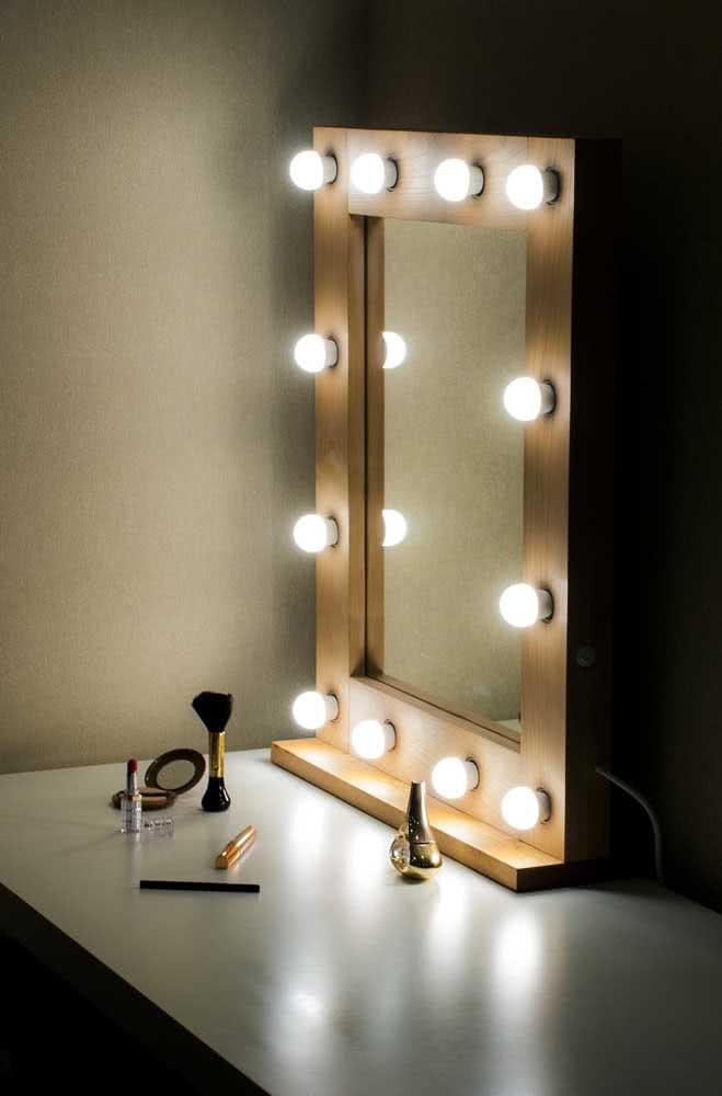 Espelho camarim para a maquiagem sair perfeita
